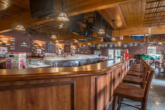 Econo Lodge Forestville: Hotel bar
