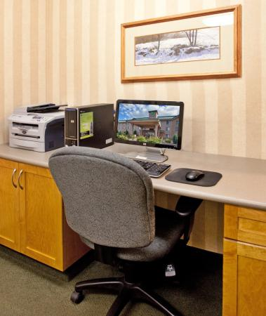 Vernon, Kanada: Stay connected with our 24 hour Business Center off the lobby