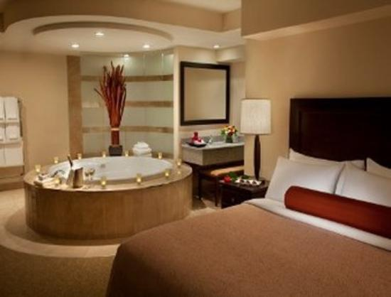 Travelodge Hotel Saskatoon: Jacuzzi Suite