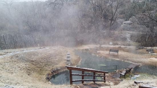 Bodhi Mandala Zen Center: Hot springs in the winter - YES, it actually was this beautiful!
