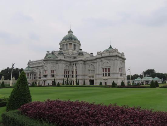外観 - Picture of Ananta Samakhom Throne Hall, Bangkok - TripAdvisor