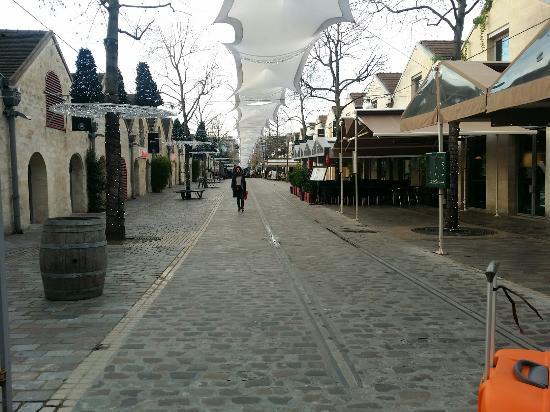 Kyriad Hotel Paris Bercy Village: 20151222_094014_large.jpg