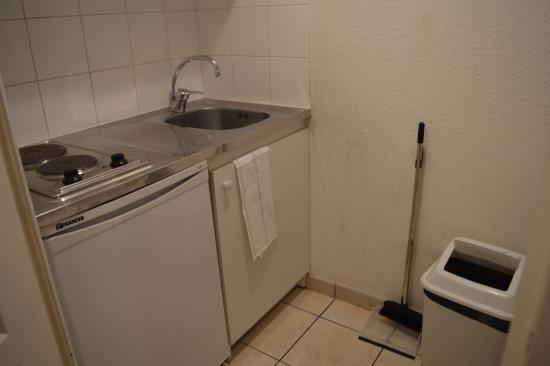 cuisine picture of sejours affaires rive gauche serris serris tripadvisor. Black Bedroom Furniture Sets. Home Design Ideas
