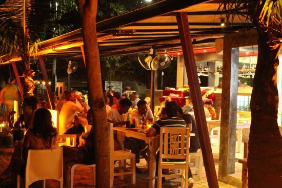Viva On The Beach HOTEL: vista del ristorante