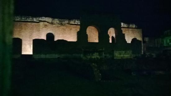 Patras Ancient Odeum: Patras Ancient Rome Theatre by night