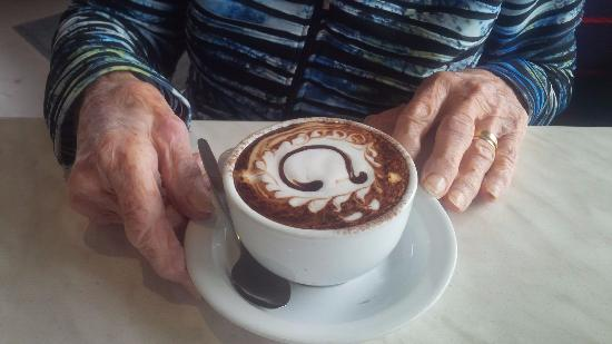Moe, ออสเตรเลีย: century coffee