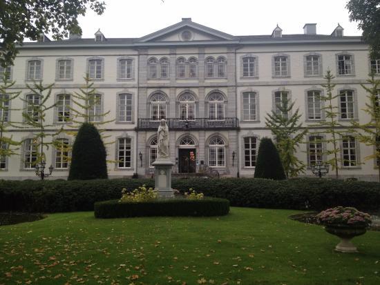 Kasteel Bloemendal: Вид на отель