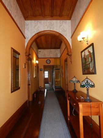 Robertson House: DSCN1601_large.jpg