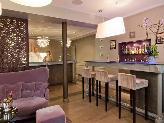 โรงแรมอาร์เว่ย์: Reception
