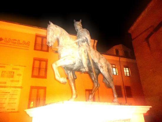 Escultura de Alfonso VIII