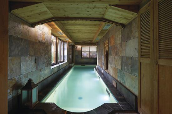 Hôtel et Spa Le Lion d'Or : spa piscine intérieure chauffée