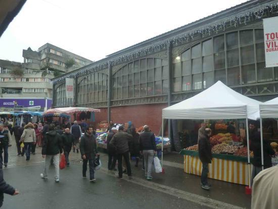 Seine-Saint-Denis, Francia: sur le flan du marché couvert