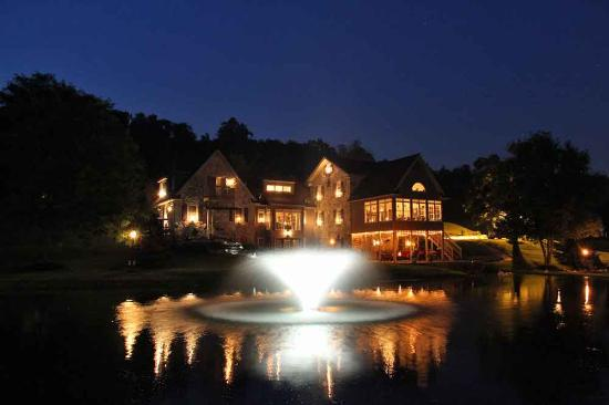 Columbia, PA: Pond night view