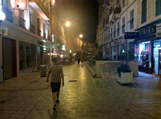 Grand Hotel le Florence : Переулок, в котором расположен отель