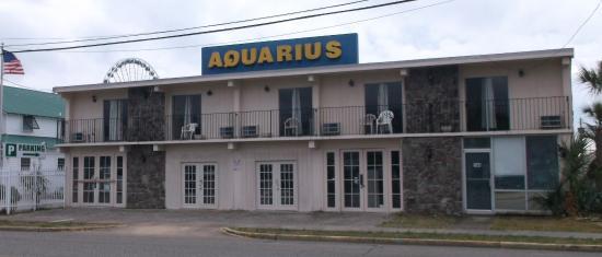 Aquarius Motels: 12 mars 2015