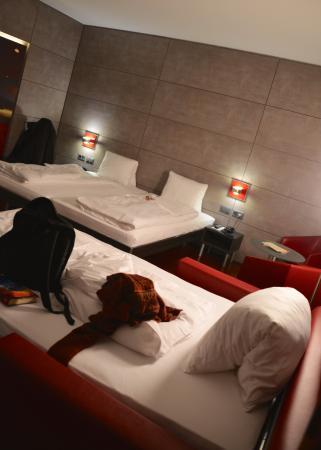Sternen Oerlikon Hotel: Triple room #307