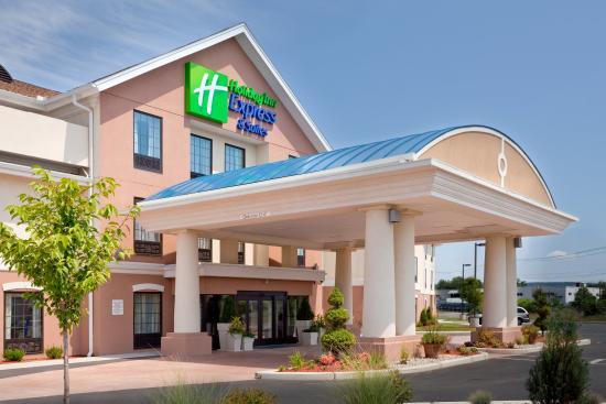 Westfield, MA: Entrance