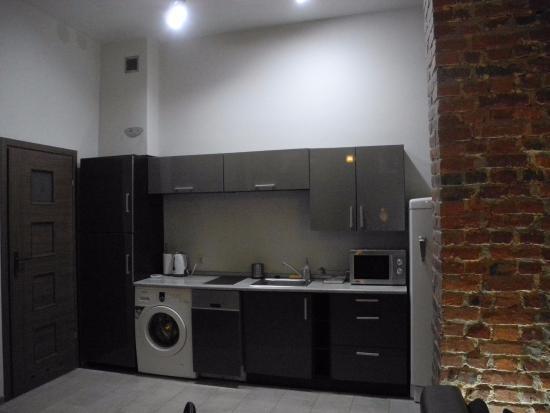 Friends Hostel : кухня