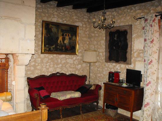 Tocane Saint-Apre, France : Möbel zum Wohlfühlen
