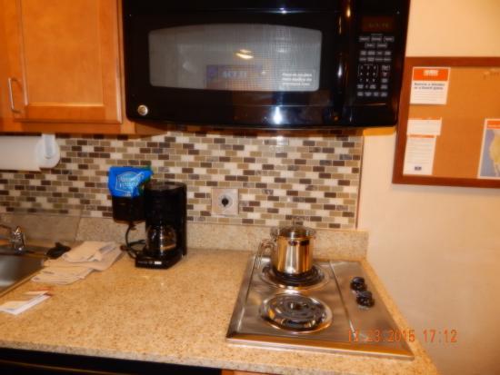 Candlewood Suites Alabaster: Cooking area
