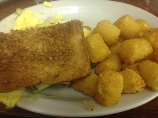 Jiffy Burger : Egg and Cheese with tots