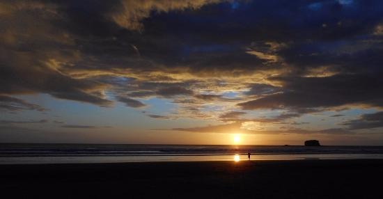 Playa Hermosa Beach Hotel: Sunset