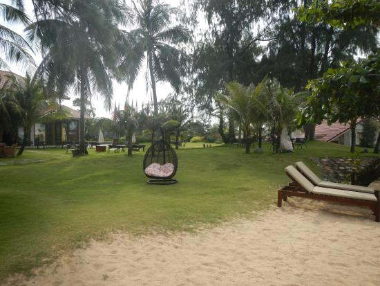 Strand Rasenflache Picture Of Mercury Phu Quoc Resort Villas