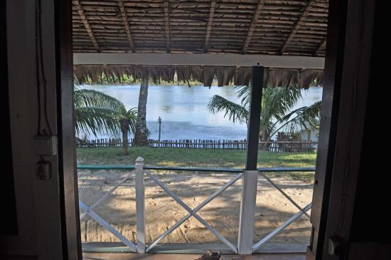 Maroantsetra, มาดากัสการ์: View from inside the cabana out to the river