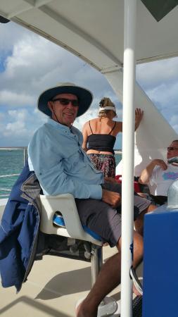 Simpson Körfezi, St-Martin / St Maarten: Great fun with Captain Neil and crew.