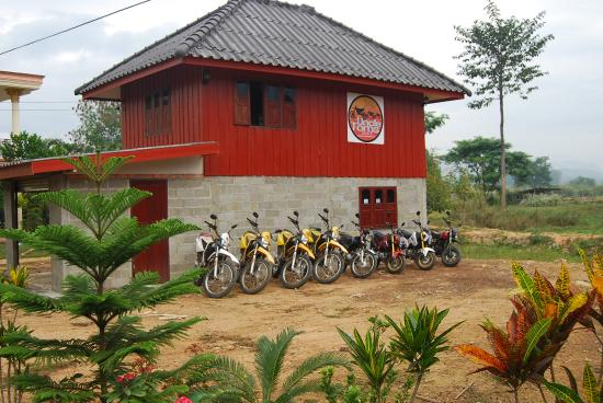 Uncle Tom's Trails - Private Day Tours: Motorcycle School Laos