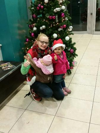 Days Inn City Centre Liverpool: By the tree December 2015!!!