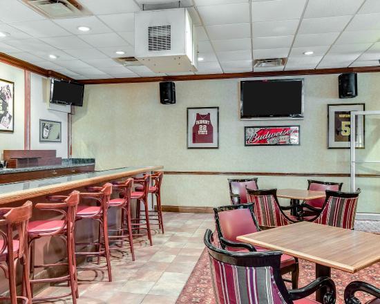 Clarion Inn: WVBar