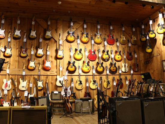 Guitar shop - Picture of VIP Tours, Los Angeles - TripAdvisor