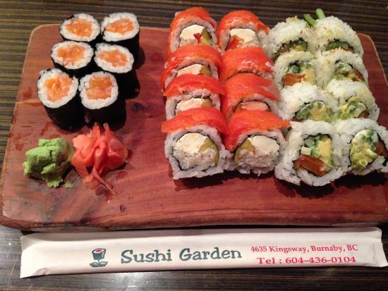 Sushi Garden : サーモン巻き他