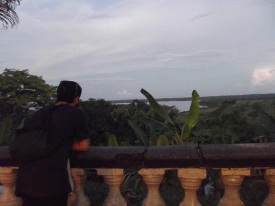 Hostal El Colibri: Vista desde el malecon