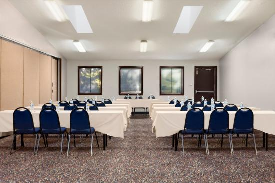 Country Inn & Suites By Carlson, Coon Rapids: Meeting Room