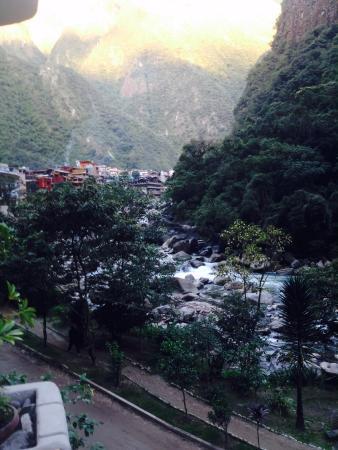 SUMAQ Machu Picchu Hotel: River and town view