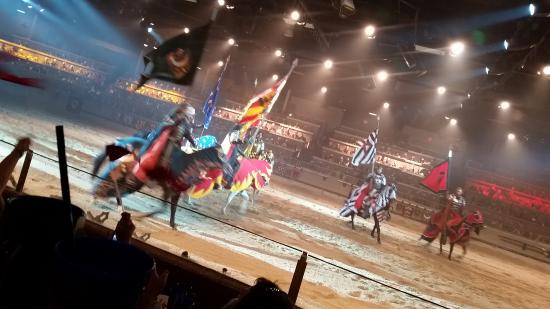 Medieval Times Buena Park: Red and Yellow Knight!!