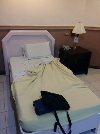 Manhattan Inn: Single bed