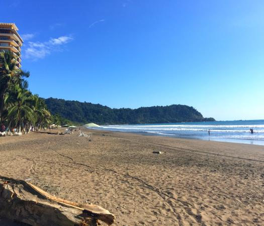 Hotel Cocal & Casino : Beach at Jaco