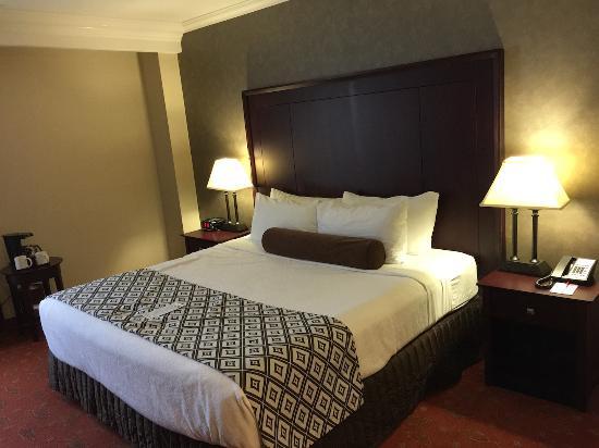 Crowne Plaza Hotel Hamilton