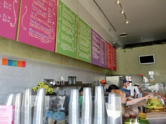 Photo of Restaurant Liquid Juice Bar at 8180 Melrose Ave, Los Angeles, CA 90046, United States