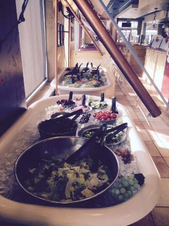 Beau Jo's Mountain Bistro: Nice salad bar