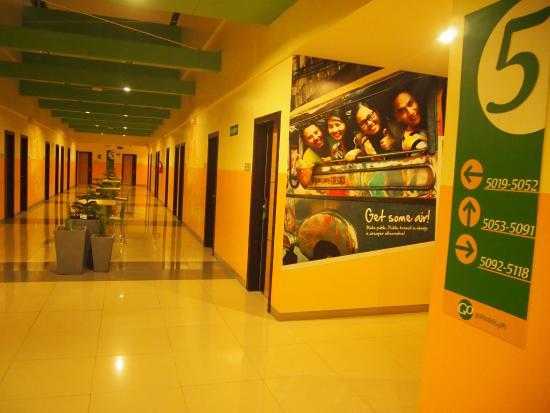 Go Hotels Otis-Manila: В коридорах