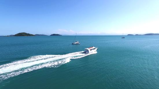 Dunk Island Holidays: Mission Beach Dunk Island Water Taxi (Wongaling Beach