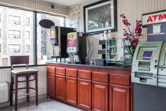 Rodeway Inn Paterson: Breakfast Area