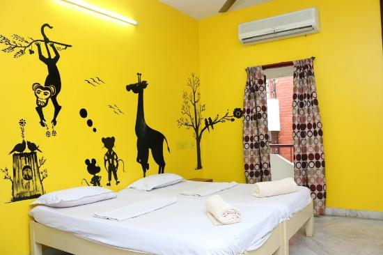 Elements Hostel: Deluxe Double or Twin Room