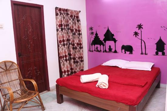 Elements Hostel: Budget Double Room