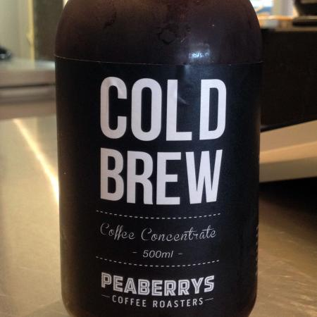 Morpeth, Australië: They sell Peaberry COLD BREW coffee OMG perfect