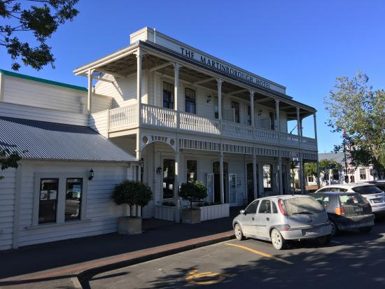The Martinborough Hotel Bar and Grill: photo5.jpg